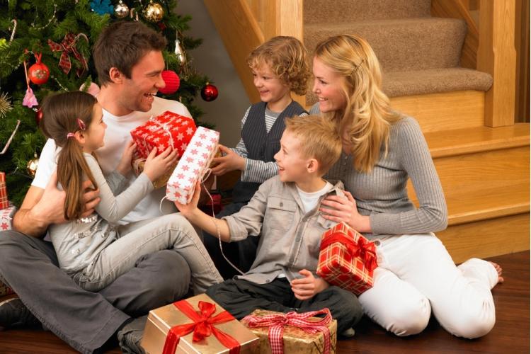 Family Christmas Gift Giving.Setting Up Installing Windows Mac Apple Computers Princeton